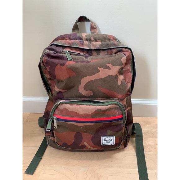 f8db62c1fc6 Herschel Supply Company Handbags - Herschel Pop Quiz Mid-Volume Camo  Backpack